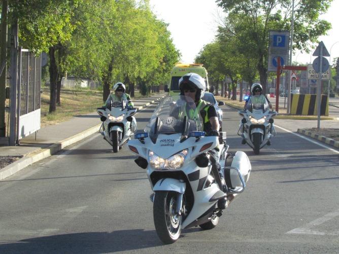 Fotografía de la ambulancia que traslada a Miguel Pajares al hospital Carlos III.
