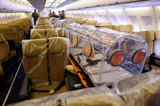 Fotografia de l'avió que es va encarregar de repatriar el religiós contagiat d'ebola cap a Madrid
