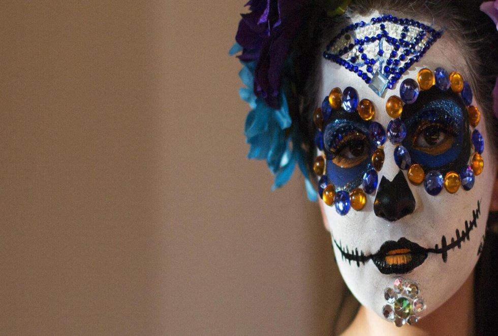Rostro pintado para celebrar el Día de los Muertos en México