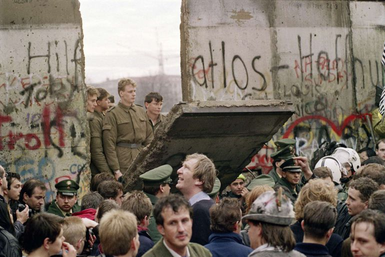 25 Años De La Caída Del Muro De Berlín Así Nos Contaron La Reunificación Así Nos Contaron La Reunificación Alemana Internacional Cadena Ser