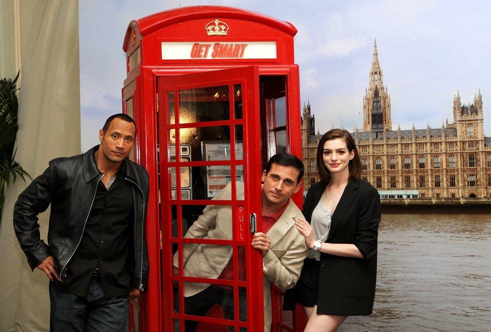 Dwayne Johnson, Steve Carell y Anne Hathaway durante la promoción de la película