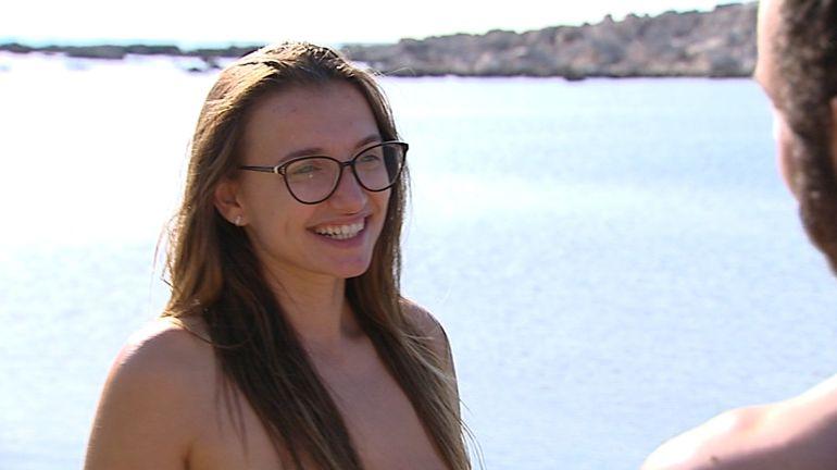 Adán Y Eva Se Despide Con Desnudos Bohemios Y Musculosos