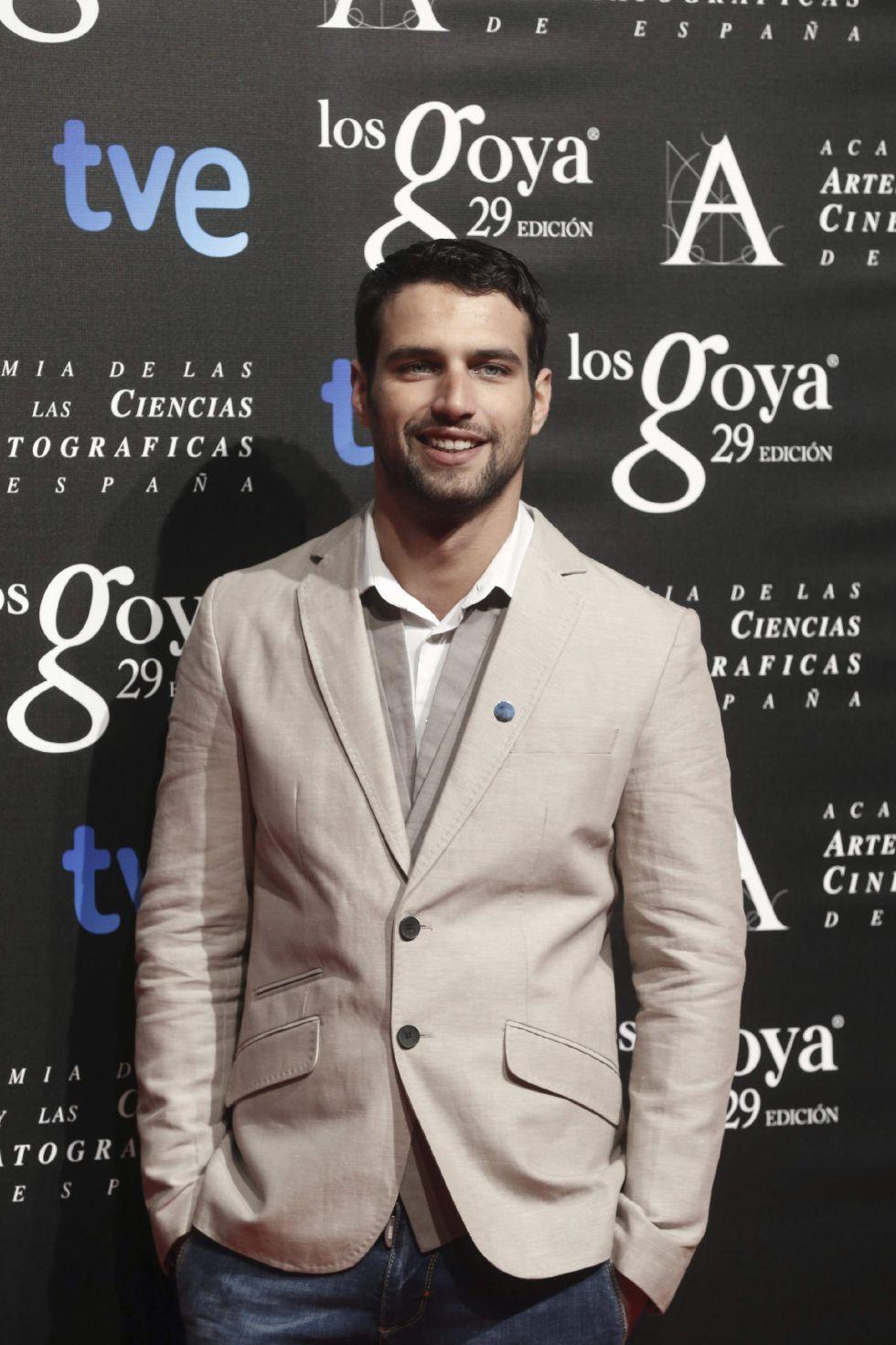 El actor Jesús Castro posa para la prensa antes de asistir a la fiesta de nominados de los XXIX Premios Goya, nominado a Mejor actor revelación por 'El niño'