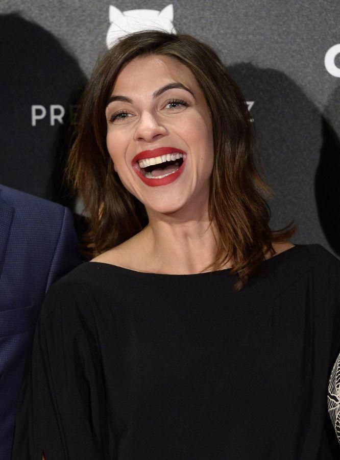 La actriz Natalia Tena, muy risueña a su llegada a los premios Feroz