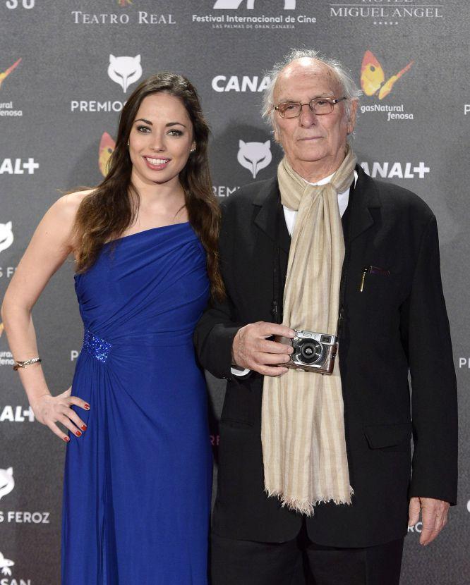 Carlos Saura acudió, junto a su hija, a recoger el premio de honor de los Feroz