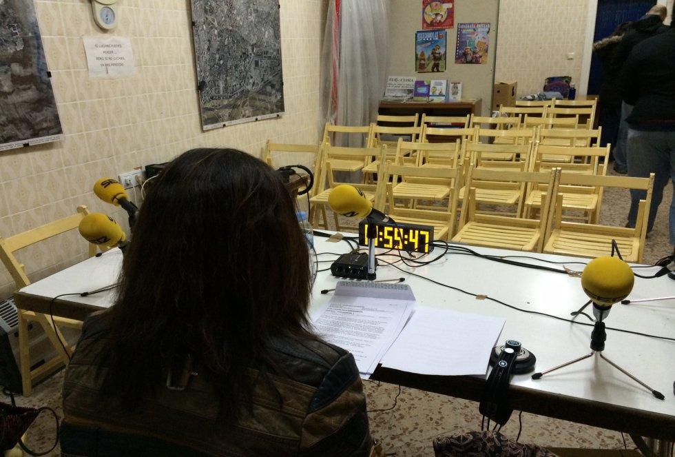 'Hora 25' se desplaza a Carabanchel para hablar de los desahucios, después de que el Ayuntamiento vendiera viviendas sociales a fondos buitre.