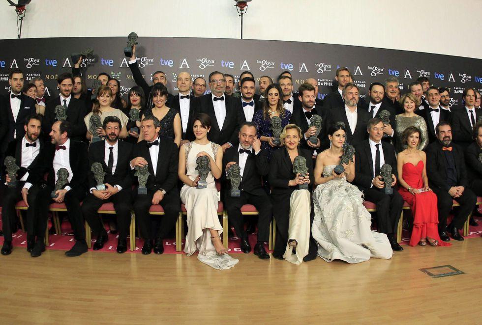 Foto de familia de los premiados en la gala de los premios Goya 2015