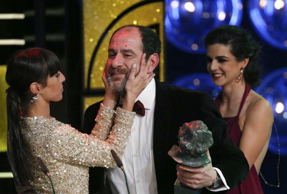 Ingrid Rubio y Clara Lago entregan el Goya a mejor actor de reparto Karra Elejalde