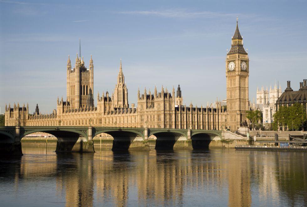 El Palacio de Buckinghan o el Big Ben han convertido a la ciudad de Londres en un referente turístico en Europa. La capital del Reino Unido ha sabido reconvertirse a través de una arquitectura moderna.