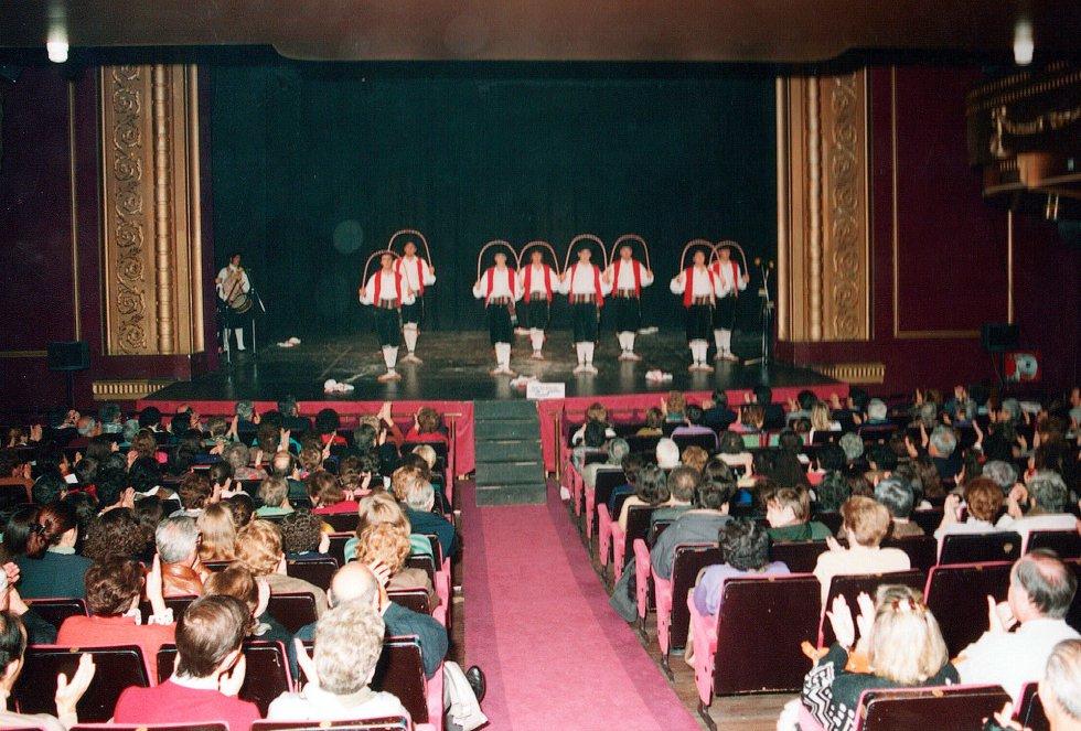 Celebración en el Teatro Principal de los 65 años de Radio San Sebastián