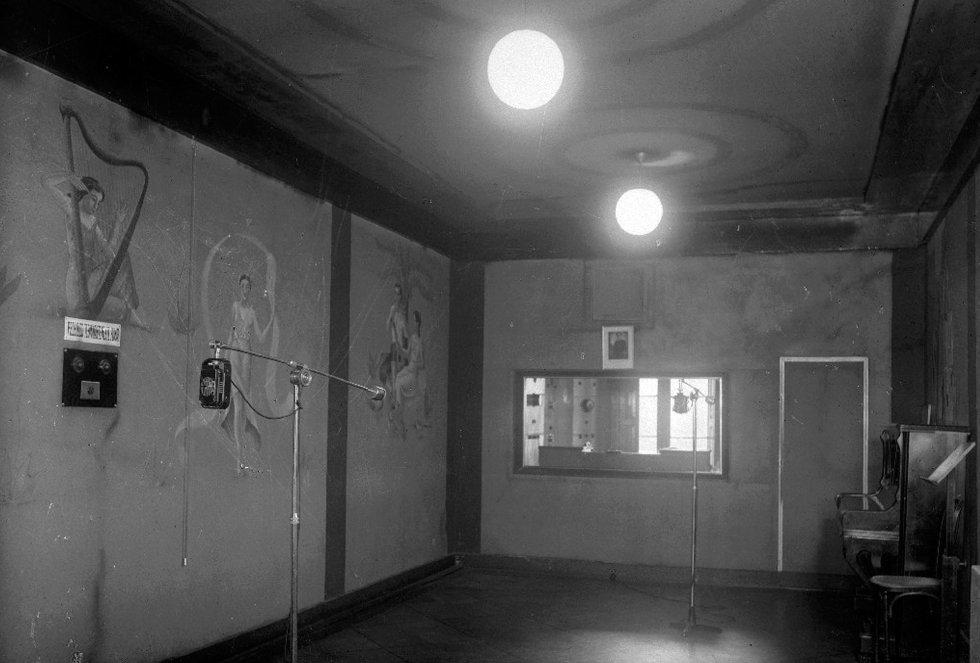 Estudio central de Radio San Sebastián en los años 50