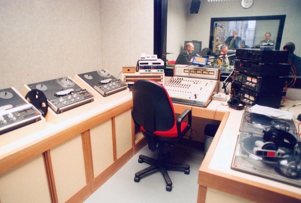 Estudio de Radio Sebastián en la década de los 90