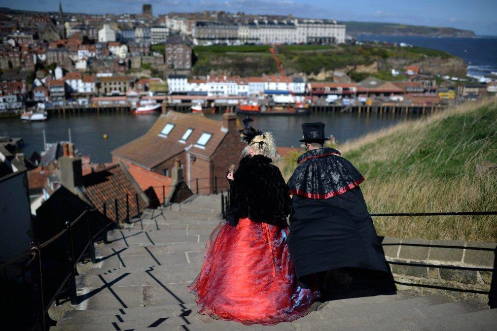 Tras la primera reunión de seguidores de la subcultura gótica, los pobladores de Whitby se inspiraron en ella para acoger a los nuevos turistas.