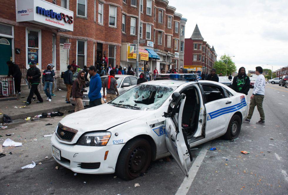 La jornada de disturbios en Baltimore, en imágenes