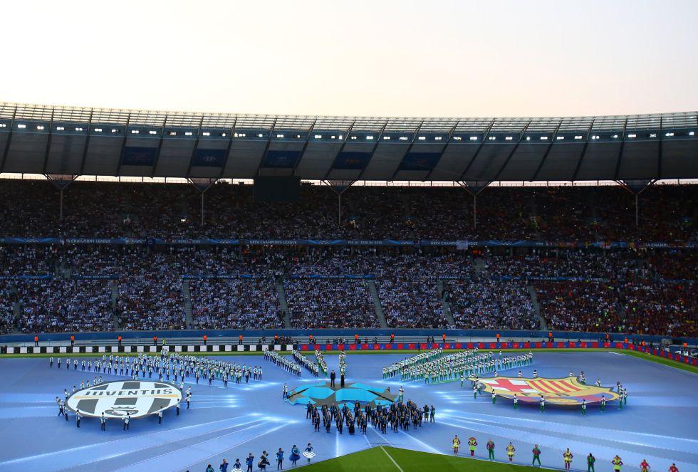 Vista de la solemne apertura de la final entre la Juve y el FC Barcelona