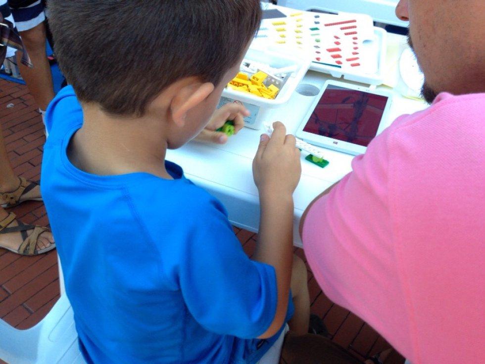 Talleres de dibujo, plastilina o rompecabezas para todos los niños