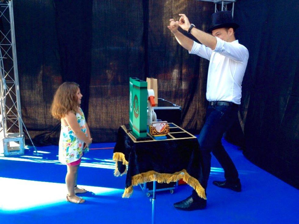 Los más pequeños se han divertido con los juegos de magia en Actúa Málaga.