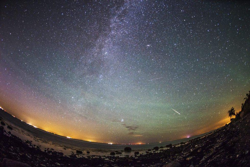Estrellas fugaces en Viazynka (Bielorrusia).