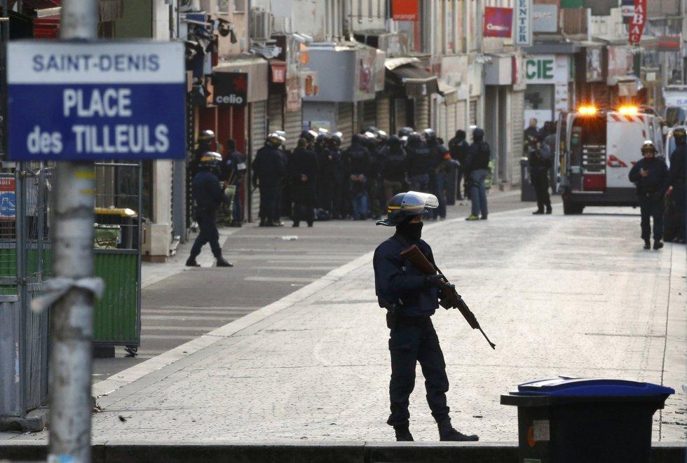 LA ciudad de Saint Denis, casi paralizada por la operación antiterrorista.