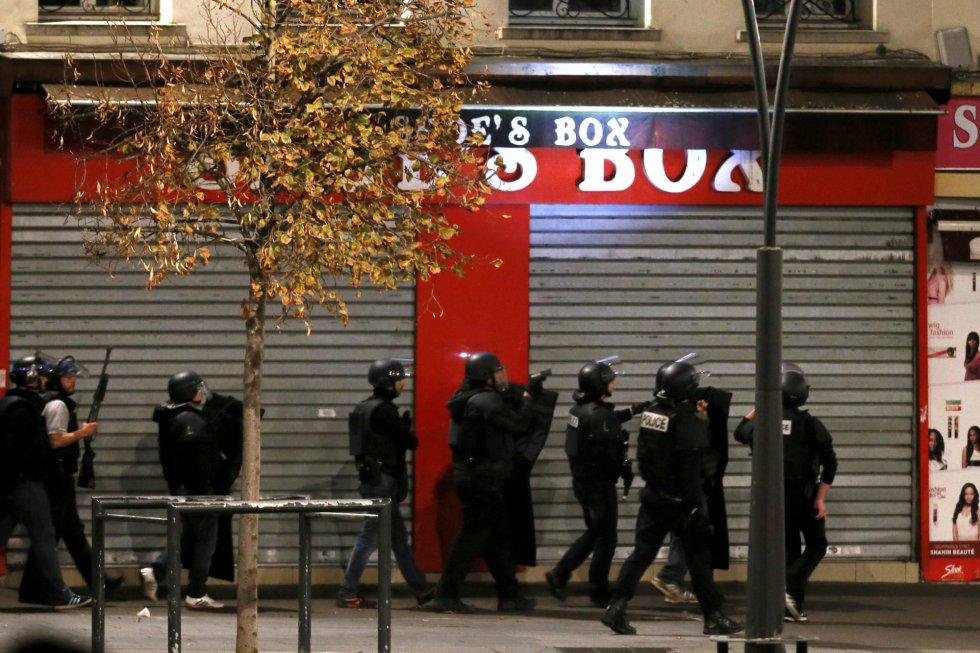 El centro de Saint Denis ha sido acordonado por la policía