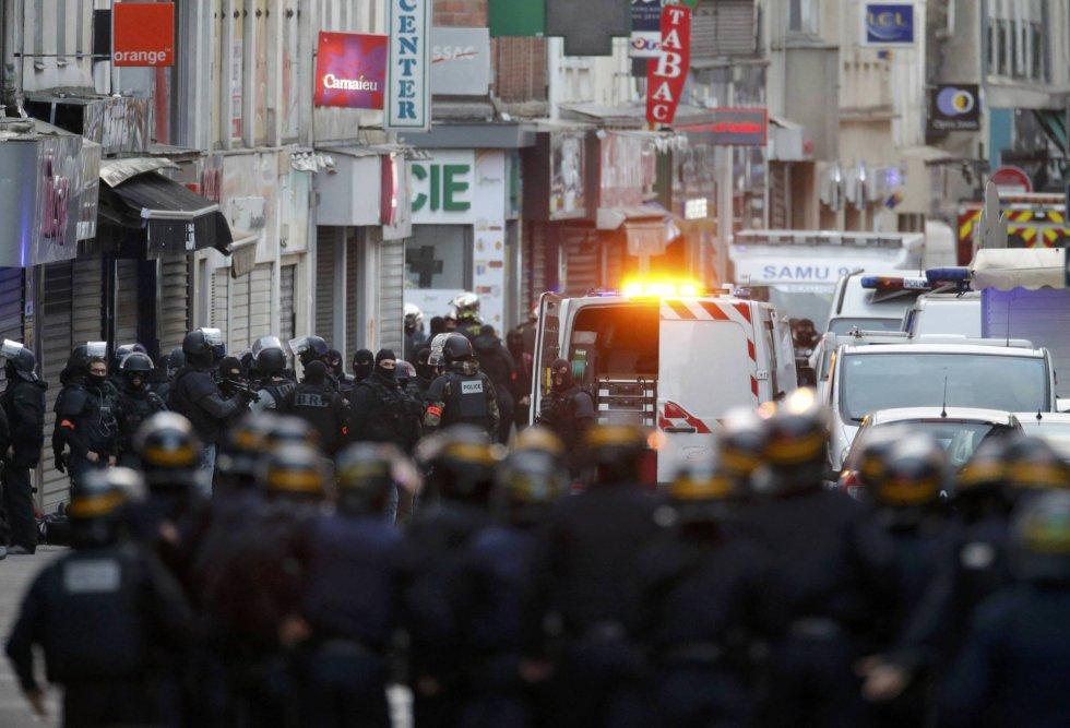 Un gran dispositivo de fuerzas de seguridad en las calles de Saint-Denis
