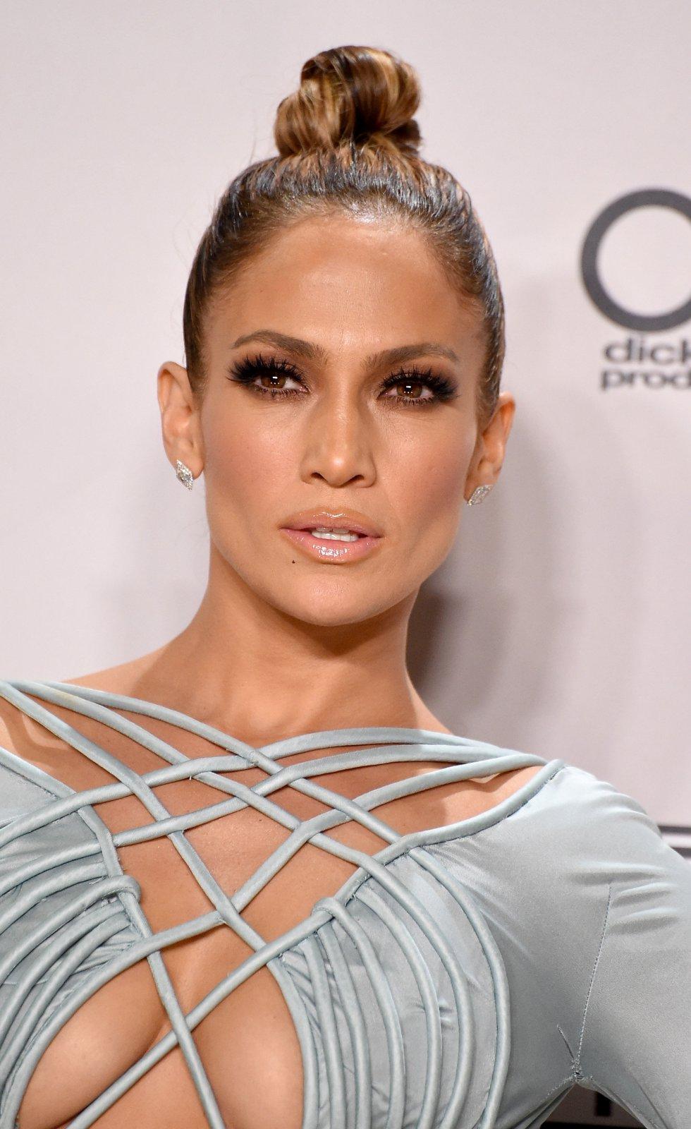 Jennifer López, presentadora de los American Music Awards 2015.