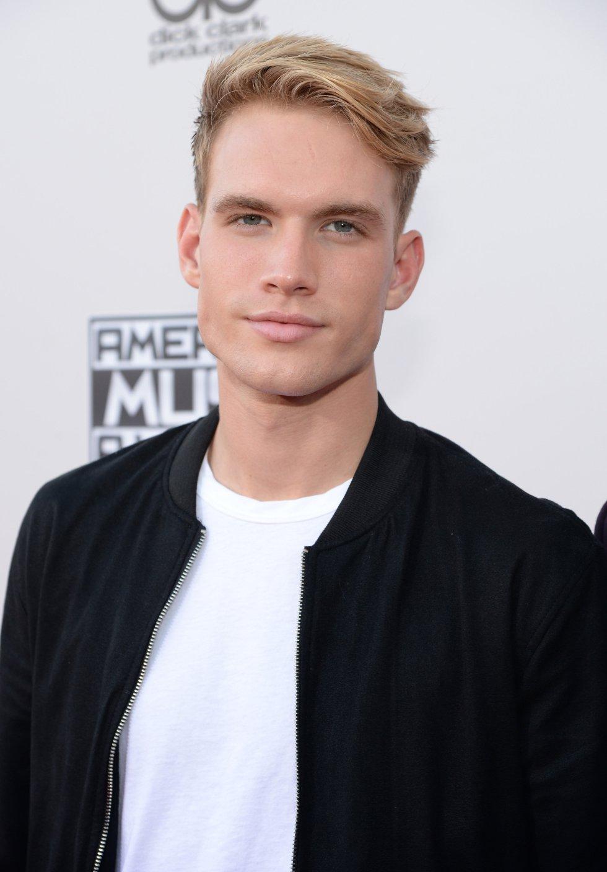 Austin Rhodes, ante los fotógrafos en los American Music Awards 2015.