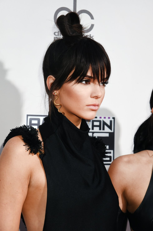 Kendall Jenner posa en los American Music Awards 2015.