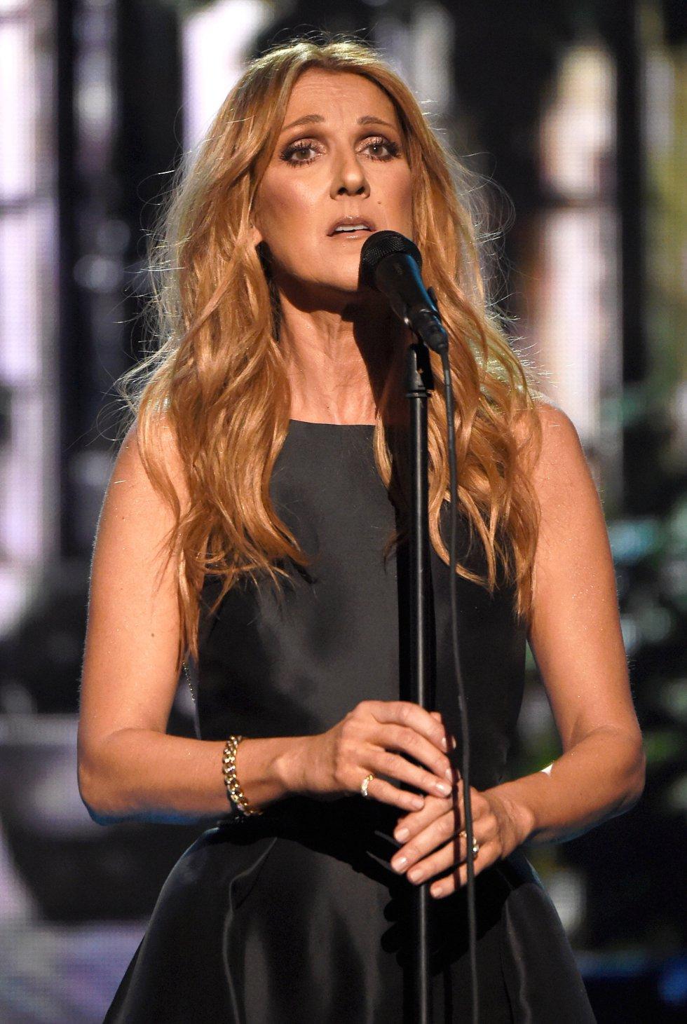 Celine Dion, durante su actuación en los American Music Awards 2015.