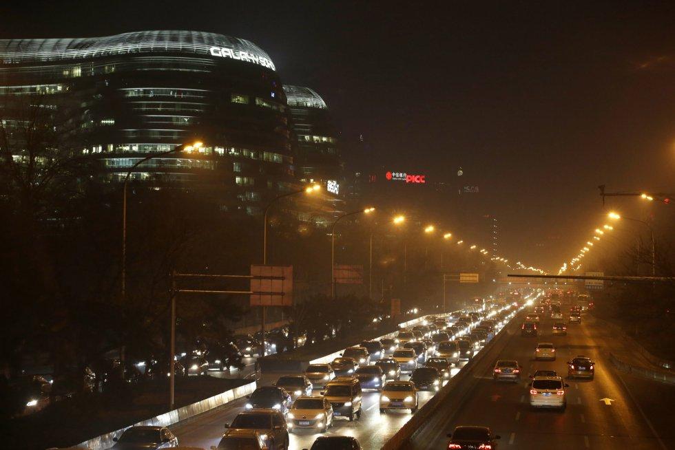 Coches atascados en Second Ring Road (Pekín).
