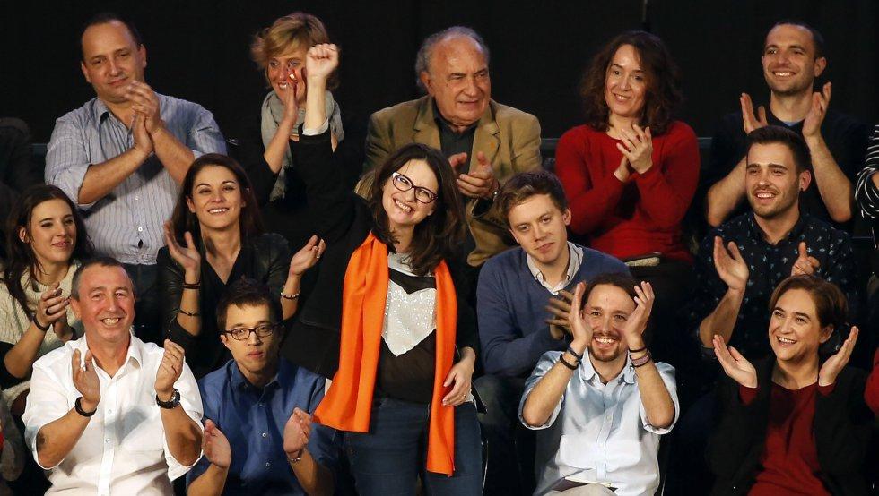El candidato de Podemos a la Presidencia del Gobierno, Pablo Iglesias, cierra la campaña electoral de Compromís-Podemos junto a la vicepresidenta del Consell, Mónica Oltra, y la alcaldesa de Barcelona, Ada Colau.