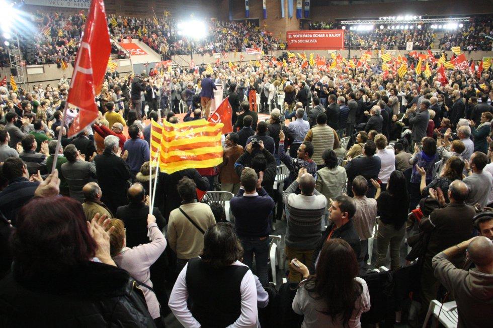 El líder del PSC, Miquel Iceta, ante los 3.500 persones asistentes al acto de final de campaña en Barcelona