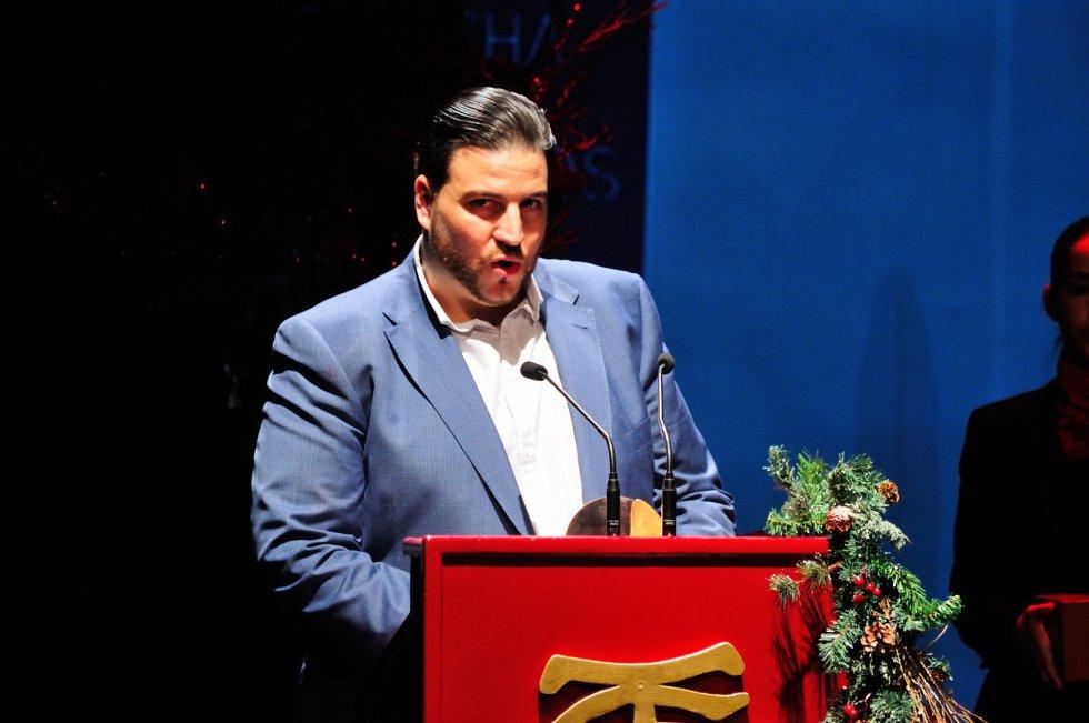 Xanty Elías, chef y propietario del Restaurante Acánthum (Estrella Michelín) en un momento de su discurso de agradecimiento. Recibió el premio de manos de José Luis García Palacios, Presidente de la Federación Onubense de Empresarios