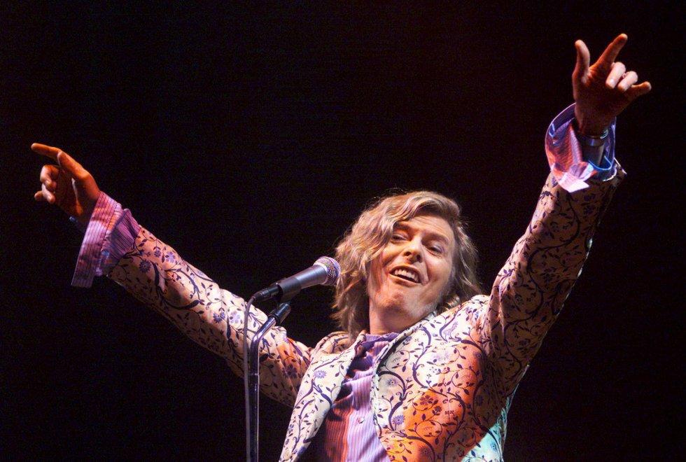 David Bowie , en el festival de Glastonbury el 25 de juinio de 2000.
