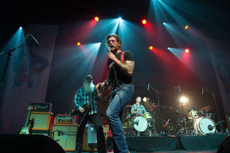 Eagles of Death Metal, durante el concierto de este martes en París