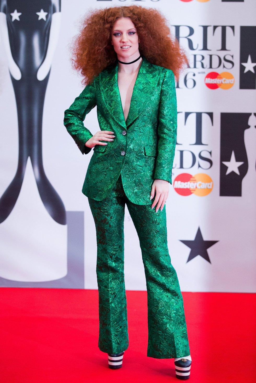 La cantante británica Jess Glynne, de verde.
