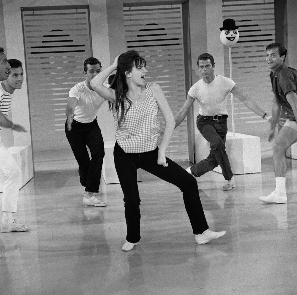 Liza Minnelli, durante una actuación musical en televisión en ¡The Judy Garland Show' en 1963