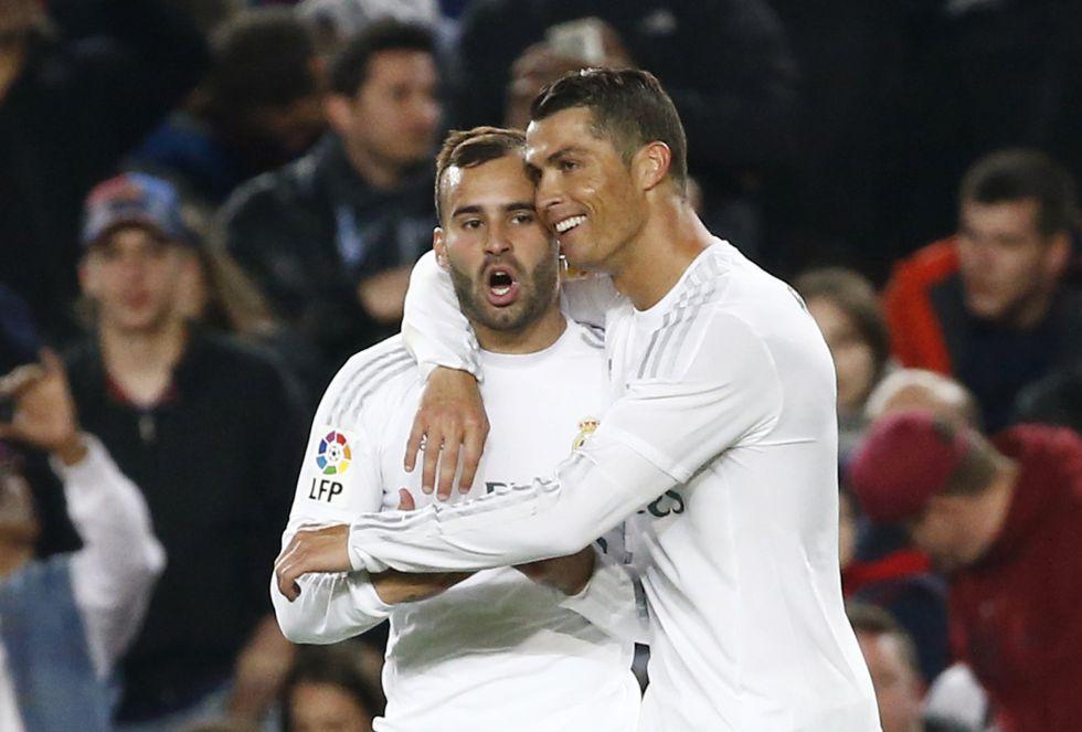 Cristiano Ronaldo celebra con Jesé el 1-2 en el Camp Nou.