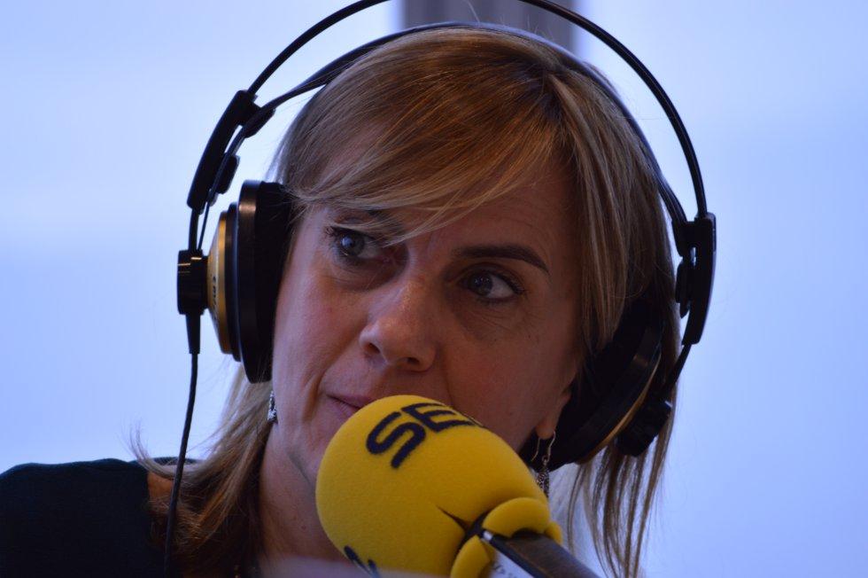 Gemma Nierga emitiendo el Hoy por Hoy desde la Torre Iberdrola de Bilbao