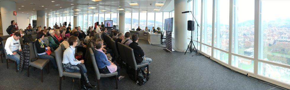 Panorámica de la emisión en directo de Hoy por Hoy desde Bilbao