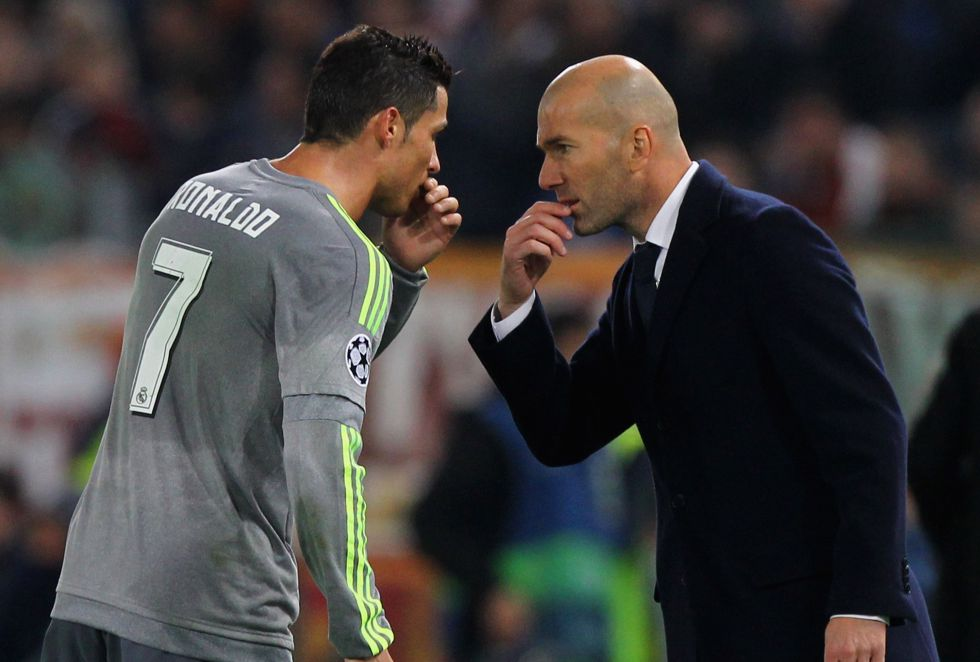 Zidane debutó en Champions como entrenador con una victoria 0-2 en Roma que encarrilaba el pase a cuartos de final