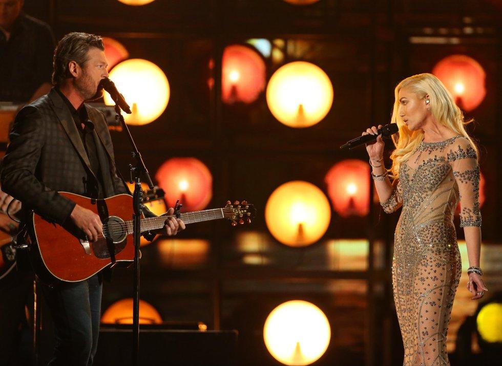 Blake Shelton y Gwen Stefani, en el escenario del T-Mobile Arena de Las Vegas.