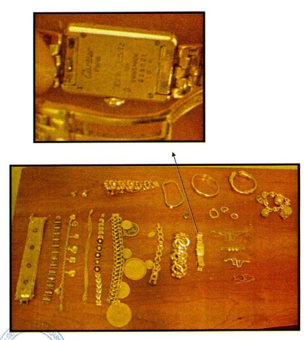Detalle de un reloj de oro Cartier hallado entre las joyas del presunto conseguidor.