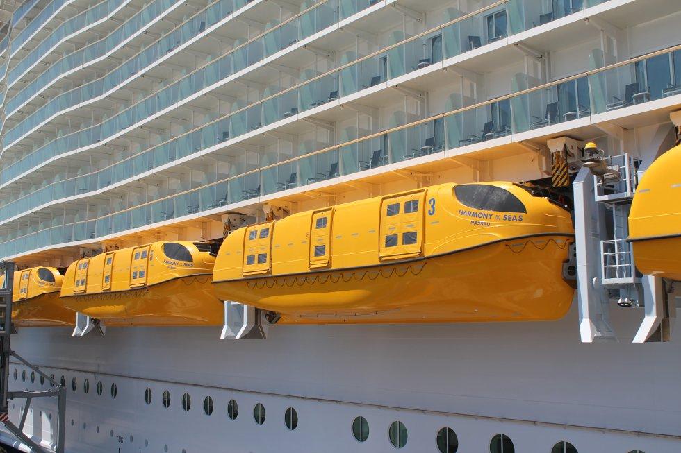 El 'Harmony of the sea' tiene 18 botes salvavidas con capacidad para 370 personas