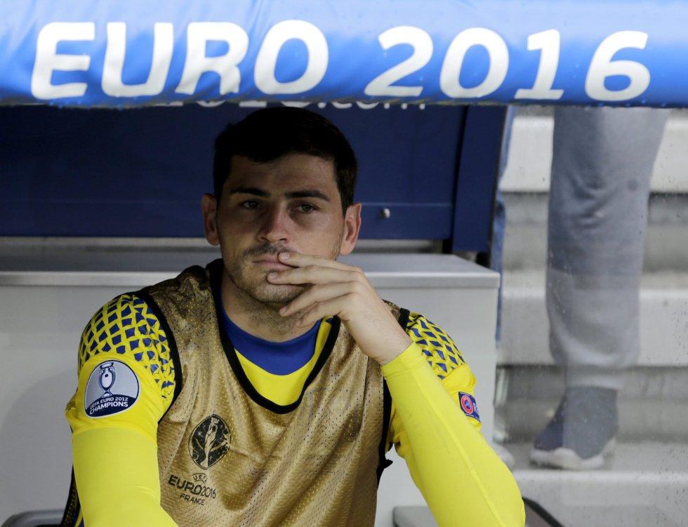 Casillas comienza la Eurocopa en el banquillo.