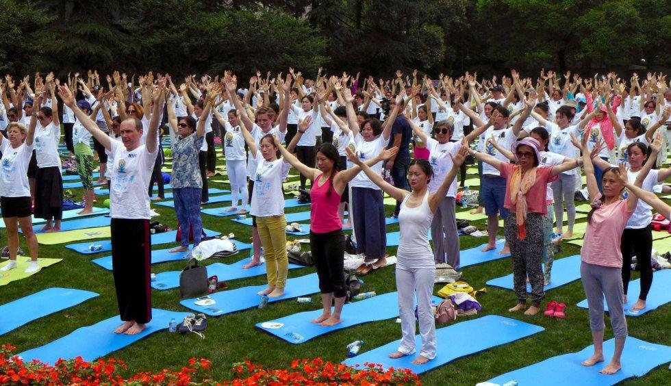 Día Internacional del Yoga en Shanghai, China.