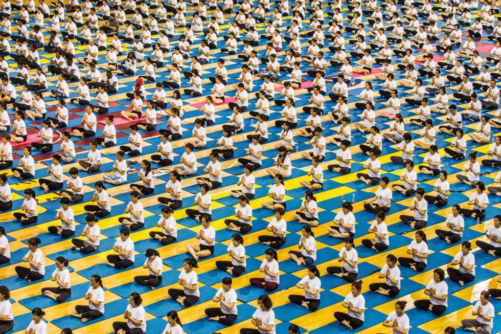 Día Internacional del Yoga en Zhenjiang, en la provincia de Jiangsu, China.