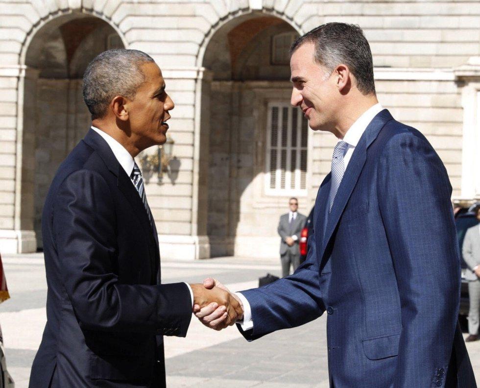 El rey Felipe VI recibe al presidente de EEUU, Barack Obama, hoy en el Palacio Real de Madrid