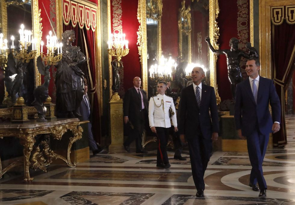 El rey Felipe VI muestra el Salón del Trono al presidente de EEUU, Barack Obama