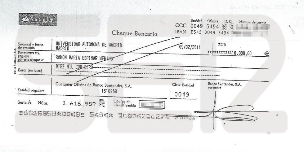 Cheque de la pareja de Alcobendas por valor de 10.000 euros a nombre de Espinar en concepto de señal por la compra del piso. La venta se formalizó ante notario el 15 de abril de 2011 sin que durante todo ese tiempo nadie ocupase la vivienda.